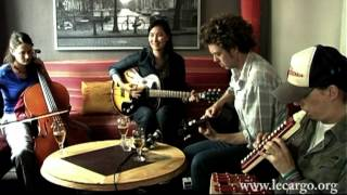 #427 Nive Nielsen & the Deer Children - Pirate song (Acoustic Session)