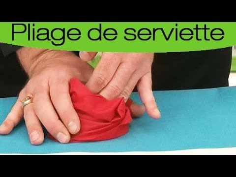 Pliage de serviette en forme de rose youtube - Plier serviette de table ...