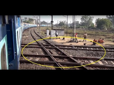 Thumbnail: Remarkable Encounter with Diamond Crossing – One & Only in India at Nagpur Junction, Maharashtra