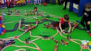 Смотреть видео Куда сходить в Москве. Детская Площадка: Паровозкино. Железная Дорога для Детей. | Где же Глеб?!!! онлайн