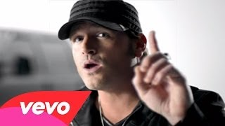 Download Pitbull - Drink to that all night ft jerrod niemann MP3 song and Music Video
