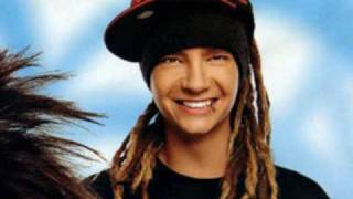 Tom Kaulitz Smile (& grins) few rare photos