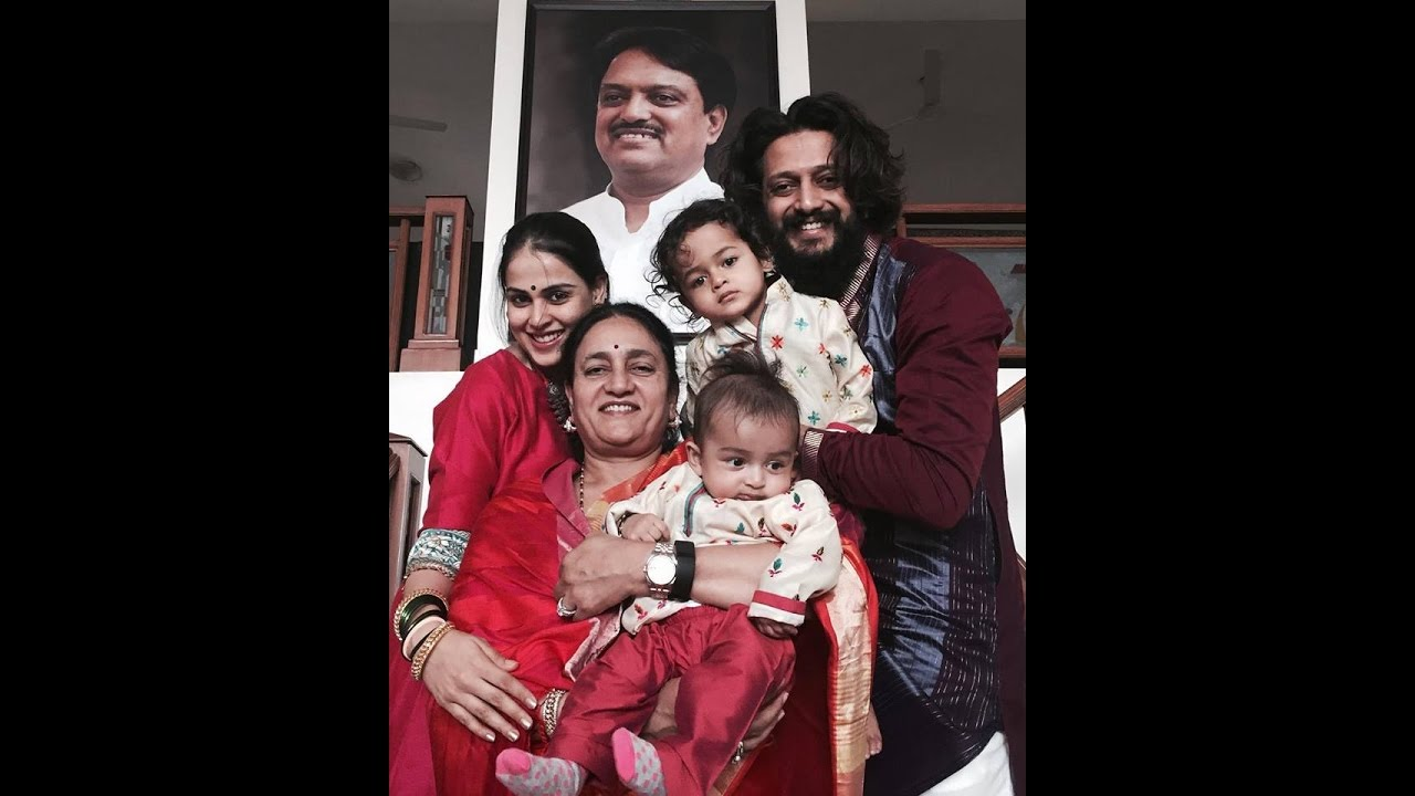 Genelia And Riteish Deshmukh Family Latest Video By Cricket Challenge Tv