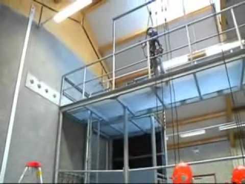 Montage au mat pylone 12 funnycat tv for Monteur de stand