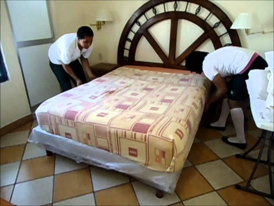Practica de limpieza y tendido de cama decoracion youtube - Decoracion de camas ...