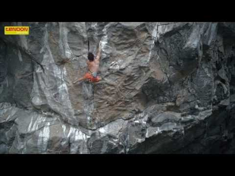Adam Ondra: incredible moves in Silence 9c, crux n. 1