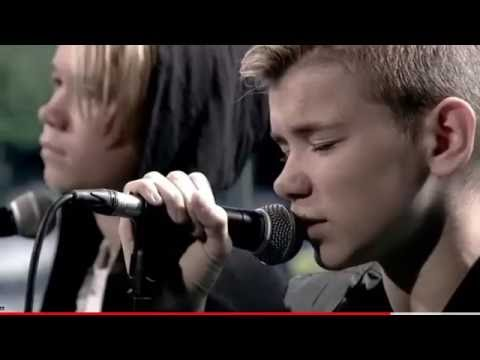"""Marcus & Martinus live at 'Go' morgen Danmark' sings """"Heartbeat' 2016"""
