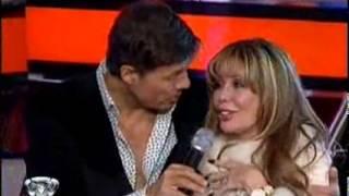 Showmatch 2010 - Alfano se desnudó frente a Marcelo