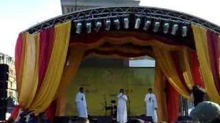 Eid in the Square 2008 - Labbayk - Tala al Badru Alayna 01