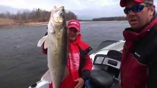 Spring time Rainy River Walleyes - In-Depth Outdoors TV, Season 5 - Episode 9