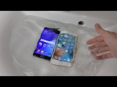 Samsung Galaxy A5 2016 vs. iPhone 6S Plus - Water Test Will It Survive?!