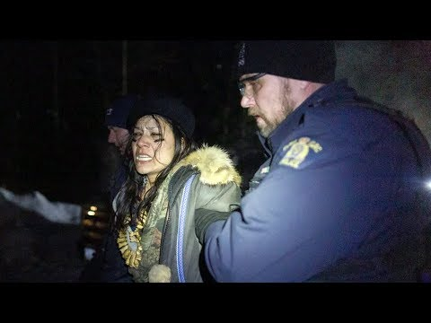 RCMP break up Wet'suwet'en blockade