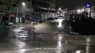 أمطار غزيرة تتساقط على الطفيلة وتتسبب بارتفاع منسوب المياه وتحذيرات من تشكل السيول