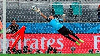 ГЕРОИЧЕСКИЕ И НЕВЕРОЯТНЫЕ СЕЙВЫ ВРАТАРЕЙ HD / Best Goalkeeper Saves In Football