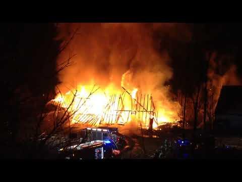 Flammeninferno in Straubing   Scheune brennt lichterloh