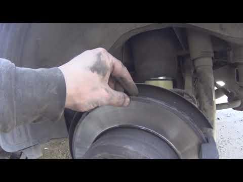 Замена задних тормозных дисков и колодок BMW e70