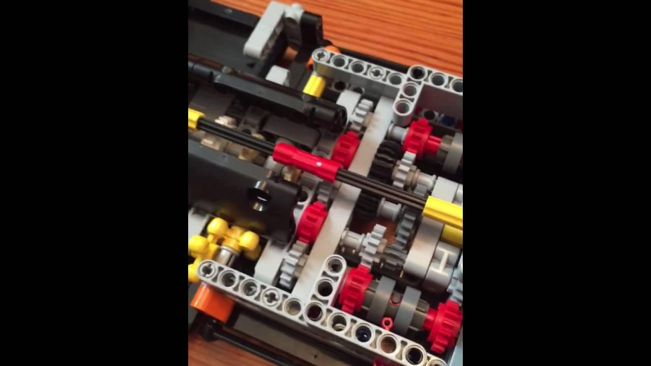 Lego Technic Porsche 911 GT3 RS features including PDK ...
