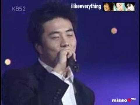 Kwon Sang Woo singing