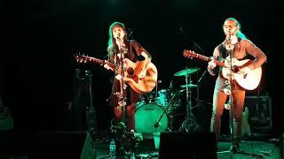 Karoline & the free folks - The Waves Will Sing Along (live) @ Radiant Bellevue