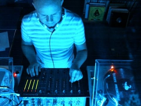 1200AM@Livebeats -Vinyl Only Club Night February2015- New Electronic Beats in a full Length Club Mix
