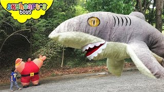 PLUSH SHARK vs. Macho Daddy | Skyheart goes an all out attack vs. giant shark toy plush kids