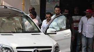 Salman Khan Leaves Home For Court