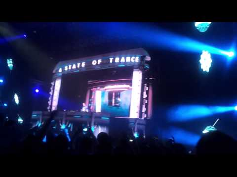 ASOT 600 Sofia 08.03.2013 -Dash Berlin - Man ot the run