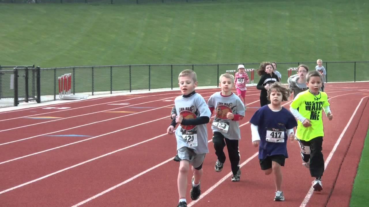 Kids Run 400m.MP4 - YouTube