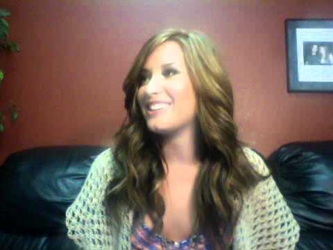 Demi Lovato LiveChat 09/14/2010 - Part 3/4