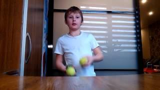 Как научиться жонглировать 3мя мячами каскад