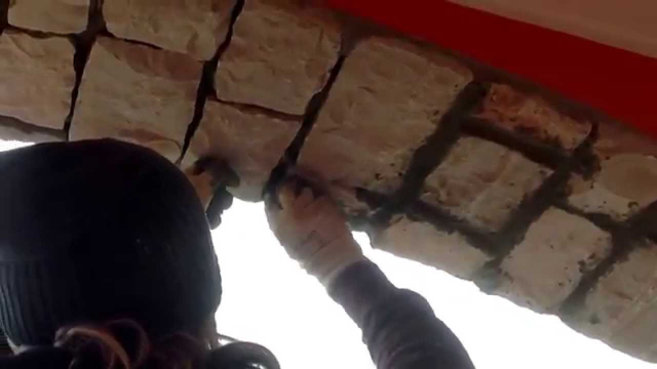 Pietra di Trani misto Pietra di Credaro posa rustica pilastri e archi - YouTube