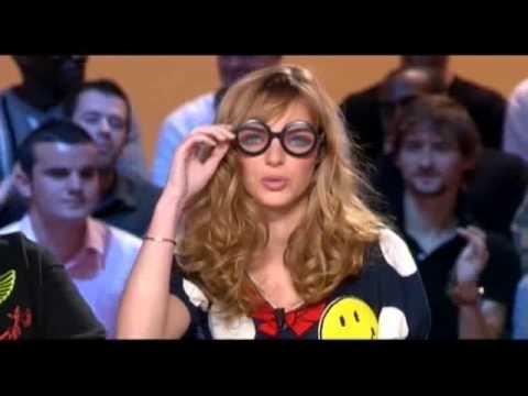 sarah palin par Louise Bourgoin LU A LA TV