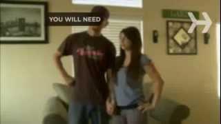 Видео как снять бюстгальтер одной рукой
