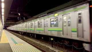 「Video Zoom 2」 App with iPhone4S 1080p(フルHD) 横浜線205系中山駅発車
