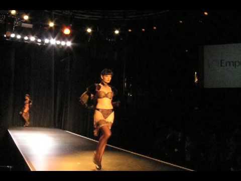 La Mode De France Fashion Show