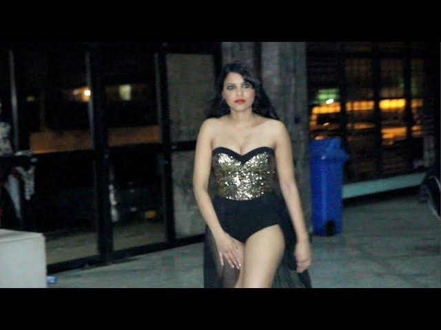 Jenna backstage movie at NIS Paramaribo