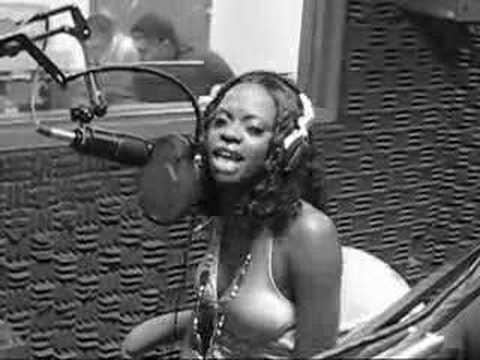 Mooka Jerz Freestyle @ Pow Radio [Her Bars Are Crazy]