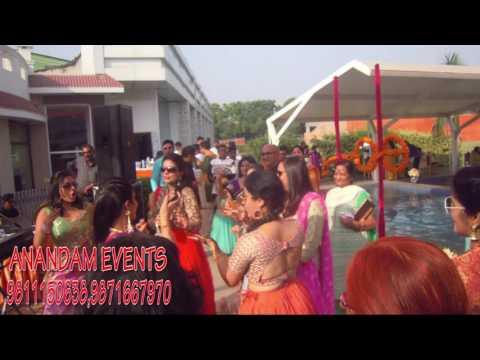Ladies Sangeet || Balle Balle, Ni Tor Punjaban Di || London Thumakda || Anandam Events