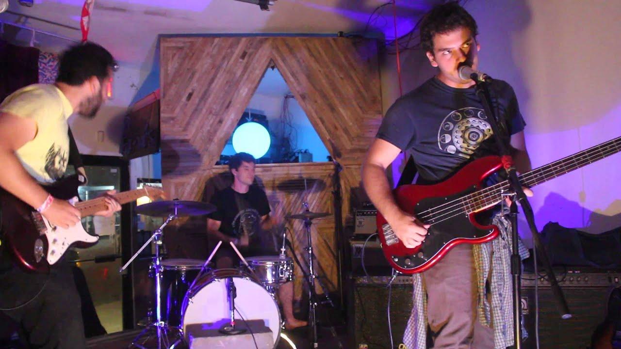 krill-brain-problem-live-at-silent-barn-heartbreaking-bravery