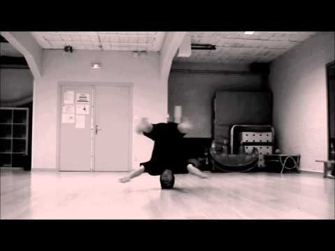 B-boy MAMAX STIBAT CREW ONE HEADSPIN 2012