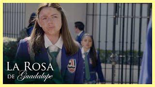 La Rosa de Guadalupe: Alexa pide que no se burlen de su apariencia física   Un beso de amor