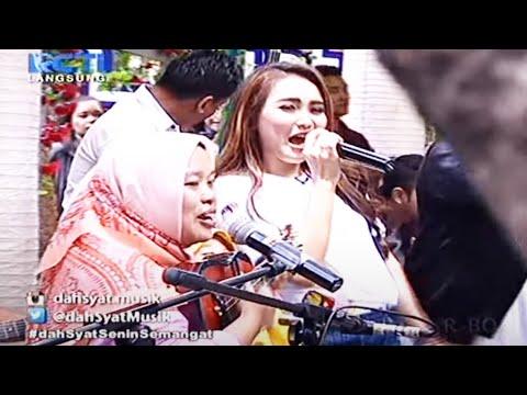 Ayu Ting Ting feat. Ibu Sri - Sambalado Akustik [Dahsyat 15 Februari 2016]