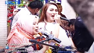 Video Ayu Ting Ting feat. Ibu Sri - Sambalado Akustik [Dahsyat 15 Februari 2016] download MP3, 3GP, MP4, WEBM, AVI, FLV Oktober 2017