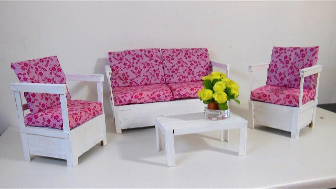 Sof r stico com palitos para barbie diy youtube for Sofa bed uma