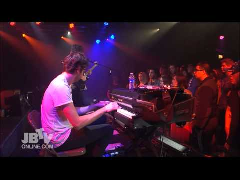 "The Foals - ""Moon"" on JBTV"