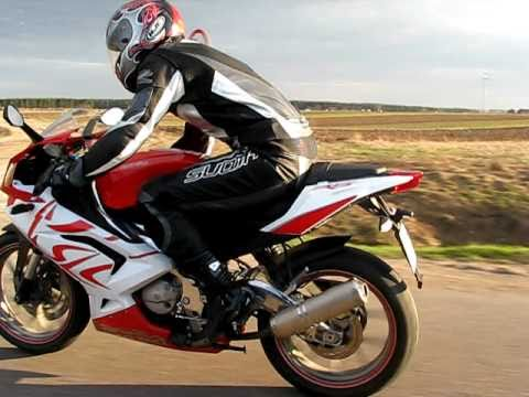 aprilia rs 125 vs audi a3 1 6 youtube. Black Bedroom Furniture Sets. Home Design Ideas
