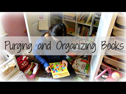 Purging and Organizing Books {Daily Vlog}