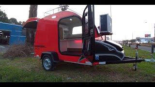 Trailer Coruja vermelho minicamper