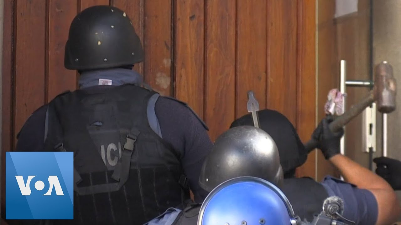 Coronavirus: South Africa Police Evict Refugees from Cape Town Church Amid Lockdown