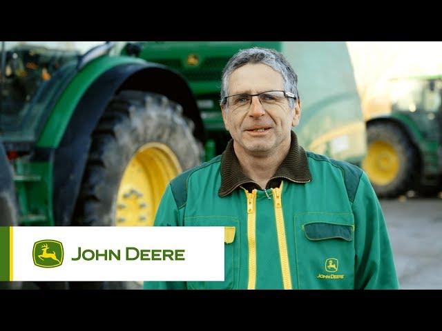 John Deere - Customer experience V451R Baler, Maquighem, France